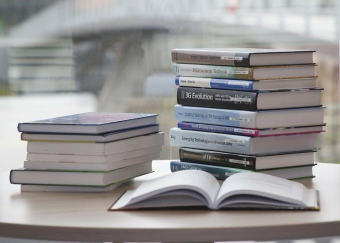 book-168824_1280