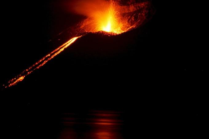 volcano-609104_1280