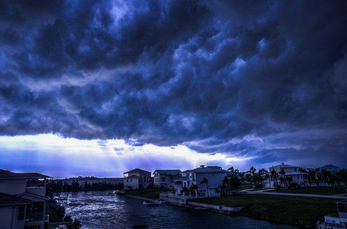 storm-426787_1280