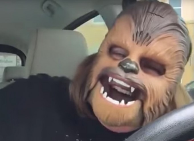 Woman_and_her_talking_star_wars_chewbacca_mask_is_funny__-_YouTube