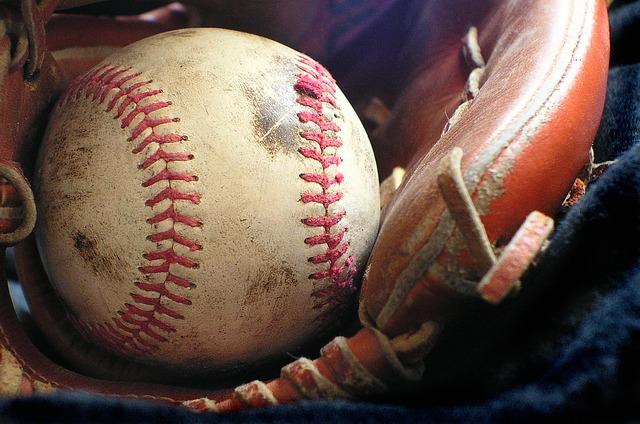 softball-1354947_640